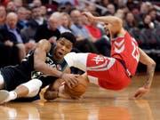 Die Milwaukee Bucks mit Giannis Antetokounmpo setzten sich bei den Houston Rockets durch (Bild: KEYSTONE/FR33763 AP/MICHAEL WYKE)