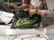 Chicorée hat 2018 von der Pleite des Konkurrenten OVS (früher Charles Vögele) profitiert. So eröffnete der Modehändler acht neue Läden, davon einige in Liegenschaften, die durch den Konkurs freigeworden waren. (Bild: KEYSTONE/CHRISTIAN BEUTLER)