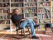 Hat den Kanon der russischen Literatur im Kopf: Michail Schischkin (57) zuhause im solothurnischen Kleinlützel. (Georgios Kefalas/KEYSTONE)