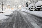 Auch auf der Maienrainstrasse hat es Eis. (Bild: Sabrina Bächi)