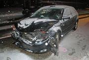 Ein Auto prallte gegen die Frontecke eines entgegenkommenden Fahrzeugs. (Bild: PD/Luzerner Polizei)