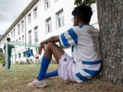Die Nationale Kommission zur Verhütung von Folter empfiehlt Verbesserungen für die Betreuung von Opfern von Menschenhandel in den Bundesasylzentren. (Bild: KEYSTONE/LAURENT GILLIERON)