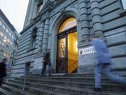 Der Eingang des Berner Amthauses, in dem der Mann verurteilt wurde. (Bild: KEYSTONE/YOSHIKO KUSANO)