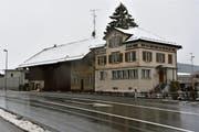 Dem ehemaligen Restaurant Bahnhof an der Verzweigung von Wiler- und Langenrainstrasse droht der Abbruch. (Bild: Anina Rütsche)