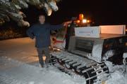 Christoph Widmer, der in Kirchberg für die Langlaufloipen zuständig ist, arbeitet häufig nachts, damit die Langlauffreunde während des Tages ideale Verhältnisse vorfinden. (Bild: Beat Lanzendorfer)