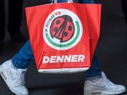 Der Discounter Denner hat 2018 bei Umsatz und Kunden zugelegt (Archivbild). (Bild: KEYSTONE/GEORGIOS KEFALAS)