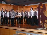 Der Männerchor Mühlrüti unter der Leitung von Rita Klaus zeigte viel Leidenschaft. (Bild: Franz Steiner)