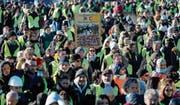 Friedlicher Gelbwesten-Protest am Samstag in der südfranzösischen Stadt Nîmes. (Bild: Guillaume Horcajuelo/EPA)