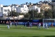 Jordi Quintillà erzielt das 2:0 per Freistoss (Bild: Manuel Nagel)