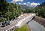 Die WOV soll mit einer Brücke über den Schächen geführt werden. (Visualisierung: Baudirektion Uri)