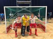Die Luzerner Jonathan Appel, Timo Bütler und Nick Schwehr (von links) feiern den dritten Platz. Bild: pd (Wien, 13. Januar 2018)