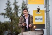 Der Erfinder und Geschäftsführer der Taxito AG posiert bei der neuen Taxito Haltestelle in Luthern. (Bild: Urs Flüeler / Keystone, 14. Januar 2019)