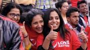 Vithika Yadav (in der Mitte) setzt sich in Indien gegen sexuelle Unterdrückung und sexuelle Gewalt gegen Frauen ein. (Bild: PD)
