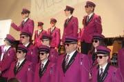 Mitglieder der Musikgesellschaft in neuer Uniform. (Bild: Manuela Bruhin)