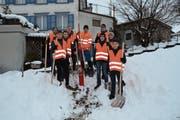 Neun Bazenheider Jungwächtler waren am letzten Samstag unterwegs und schaufelten rund 150 Hydranten frei. (Bild: Beat Lanzendorfer)