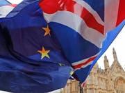 Einen Tag vor der Abstimmung im Parlament in London über den Austrittsvertrag Grossbritanniens aus der EU hat die britische Premierministern Theresa May am Montag um Unterstützung für das Brexit-Abkommen geworden. Eine Niederlage der Regierung gilt jedoch schon als ausgemacht. (Bild: KEYSTONE/AP/FRANK AUGSTEIN)