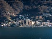 Das Spielkasino dominiert das Ortsbild von Campione. (Bild: Keystone/KEYSTONE/TI-PRESS/PABLO GIANINAZZI)