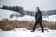 Max Renggli, Chef der gleichnamigen Holzbau- und Generalunternehmung, auf dem Firmengelände. (Bild: Pius Amrein, Schötz, 11. Januar 2019)