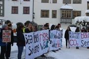 Kantonsschülerinnen und Kantonsschüler haben am Freitag für Massnahmen gegen den Klimawandel den Unterricht bestreikt und in der St.Galler Innenstadt demonstriert. (Bild: Tobias Bruggmann - 11. Januar 2019)