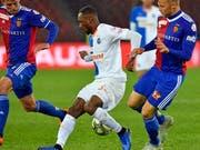 Souleyman Doumbia (links) wechselt von GC zu Stade Rennes (Bild: KEYSTONE/WALTER BIERI)
