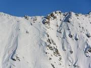 In der Region des Plan du Fou oberhalb von Haute-Nendaz hat eine Lawine ein Todesopfer gefordert. (Bild: KEYSTONE/KANTONSPOLIZEI WALLIS)