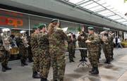 Patriotische Klänge auf ausländischen Blasinstrumenten: Konzert des Militärspiels beim Einkaufszentrum Schlosspark in Frauenfeld. (Bild: Nana do Carmo)