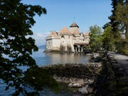 Das Schloss Chillon ist ein beliebtes Ausflugsziel für Schulreisen. (Bild: KEYSTONE/GAETAN BALLY)