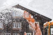 Nun räumt sich der Schnee von selbst: Das Wetter wird hochdruckbestimmt. (Bild: Keystone)
