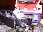Der Autolenker konnte sich vor der Kollision in Sicherheit bringen. (Bild: Kantonspolizei Zürich)
