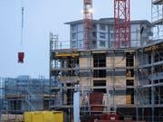 Immobilienpreise haben im vierten Quartal wieder leicht angezogen. (Bild: KEYSTONE/GAETAN BALLY)
