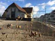 Zwei Unternehmen sind noch im Rennen, um den alten Bahnhof Bernrain einer neuen Nutzung zuführen zu können. (Bild: Urs Brüschweiler)