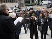 Mitte November trugen ehemalige Angestellte von «Le Matin» ihre Anliegen auf die Strasse. (Bild: Keystone/JEAN-CHRISTOPHE BOTT)