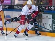 Dario Trutmann (Nummer 86) spielt ab der nächsten Saison für die ZSC Lions (Bild: KEYSTONE/ANTHONY ANEX)