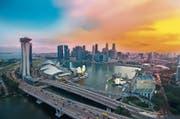 Konkrete Massnahme für das Klima: In Singapur dürfen maximal 600000 Autos verkehren. (Bild: Guowen Wang/Getty)