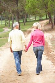 Mit einem Partner unterwegs sein: Davon träumen auch Menschen im Rentenalter. (Symbolbild: Fotolia)