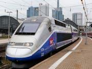 Der französische TGV-Hersteller Alstom hat das Neugeschäft im dritten Quartal verdoppeln können. (Bild: KEYSTONE/AP/MICHAEL PROBST)