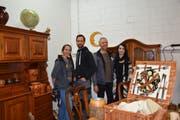 Wie eine Familie, von links nach rechts: Mitarbeiterin Jessica Anliker, Joel Gasser, Guido Anliker und Mitarbeiterin Ylenia Bless.Bilder: Nicola Ryser