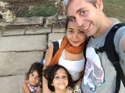 Alexander Huwyler mit seiner Frau und seinen zwei Kindern in Malaysia. (Bild: zvg)