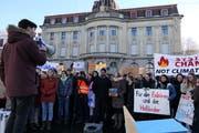 Unter den Rednern war auch der Co-Präsident der Jungen Grünen Schweiz, der Zuger Luzian Franzini. (Bild: Zoe Gwerder (Zug, 18. Januar 2019))