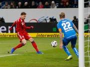Leon Goretzka - hier beim 1:0 - zweifacher Torschütze für die Bayern (Bild: KEYSTONE/AP/MICHAEL PROBST)
