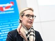Die rund 130'000 Euro aus der Schweiz hatten AfD-Fraktionschefin Alice Weidel in Bedrängnis gebracht - inzwischen hat die Partei die Bundestagsverwaltung informiert, wo das Geld herkommt. (Bild: KEYSTONE/EPA/FILIP SINGER)