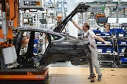 Schweizer Firmen liefern zahlreiche Maschinen oder Teile in die deutsche Autoindustrie wie in das Audi-Werk in Ingolstadt. (Bild: Andreas Gebert/Getty 14. März 2018)