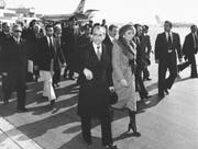 Am 16. Januar 1979 verlassen Schah Reza Pahlavi und seine Frau, Kaiserin Farah Diba den Iran per Flugzeug. (Bild: Keystone/AP)