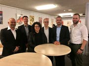 Die sechs neuen Kandidaten: Matthias Welte (Schulkommission), Marco Burri (Gemeinderat), Rita Scarlino (Schulkommission), Gian Andri Huber (GRPK), Curdin Huber (Gemeinderat) und Tristan Kayser (Schulkommission). (Bild: Ursula Ammann)