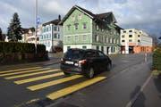 An der Einmündung der von Mosnang her kommenden Ottilienstrasse in die Landstrasse plant das Tiefbauamt des Kantons St. Gallen den Bau eines Kreisels. (Bild: Anina Rütsche)