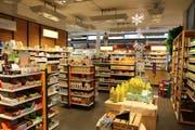 Blick in das Müller-Reformhaus in Wil: Die Produktpalette ist erlesen und sehr breit und kommt bei den Kunden gut an. Bilder: Hans Suter