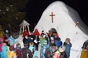 Rund 60Personen besuchten die Einweihung der Schneekapelle. (Bild: Georg Epp (Arni, 18. Januar 2019))
