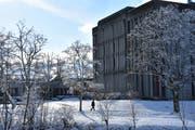 Die Gebäude der Kantonsschule in Wattwil genügen nach Ansicht des Regierungsrats modernen pädagogischen Anforderung nicht mehr. Sie können zudem nicht alle Schülerinnen und Schüler aufnehmen. (Bild: Ruben Schönenberger)
