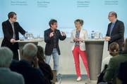 Animierte Debatte am Tagblatt-Podium im Pfalzkeller: Basil Oberholzer (Junge Grüne), Ruedi Blumer (VCS-Präsident, SP-Kantonsrat), Diana Gutjahr (SVP-Nationalrätin) und Markus Ritter (CVP-Nationalrat und Bauernpräsident). (Bild: Urs Bucher)