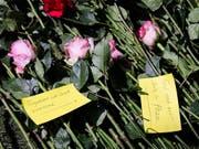 Blumen zum Gedenken an Terroropfer in Kenia: 2018 ist die Zahl der Terroranschläge weltweit um ein Drittel gesunken. (Bild: KEYSTONE/EPA/DAI KUROKAWA)